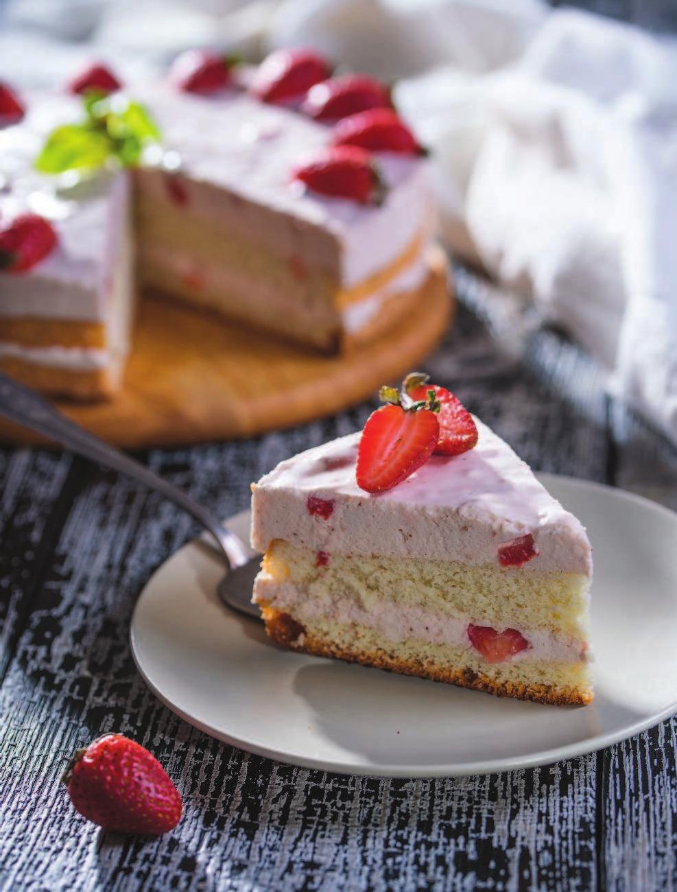 Выпечка тортов и пирожное